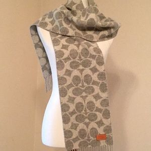 Coach 100% lambswool scarf